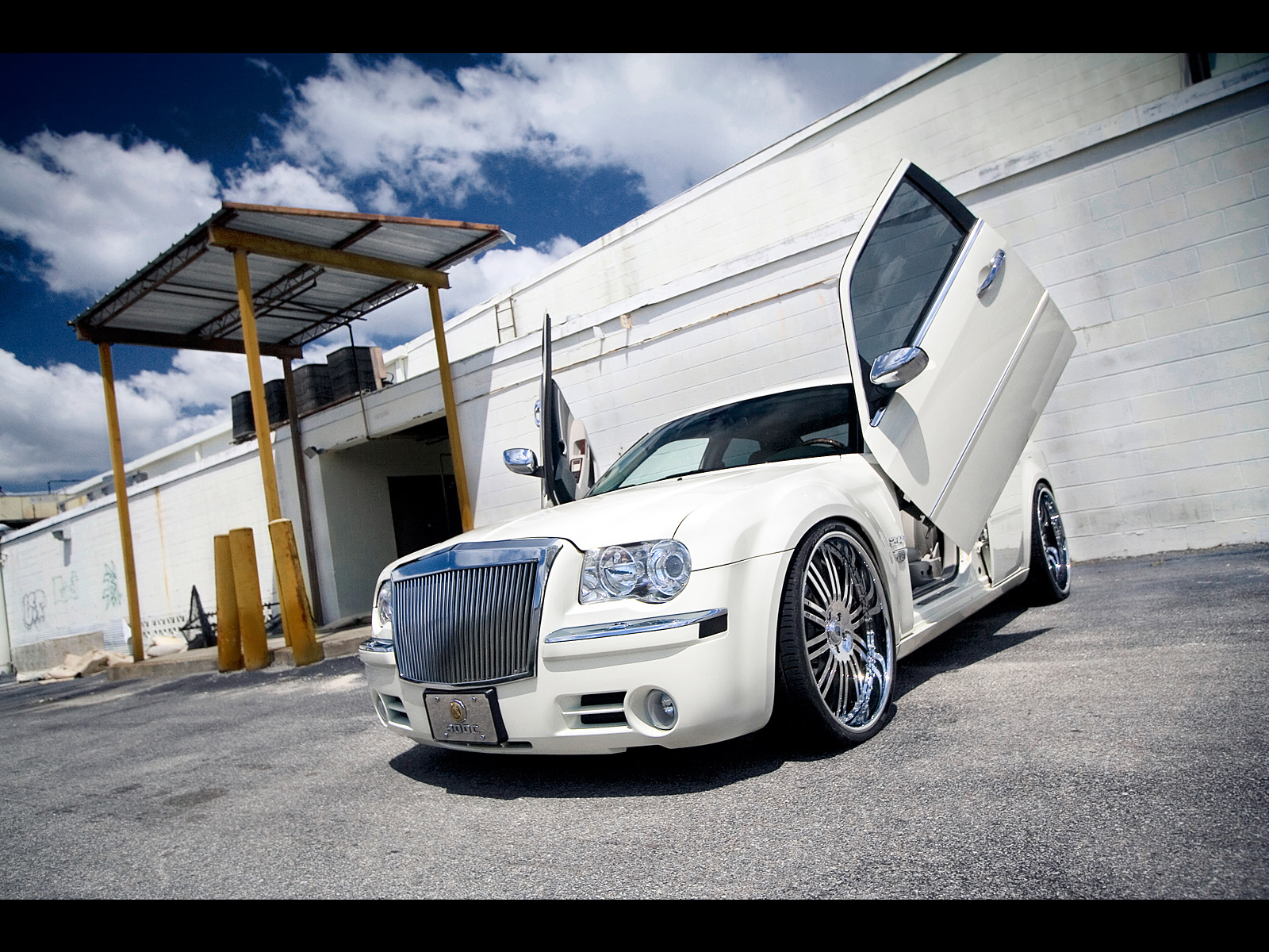 Chrysler on Modified Chrysler 300c Photo Gallery   New Car Reviews   Automotive